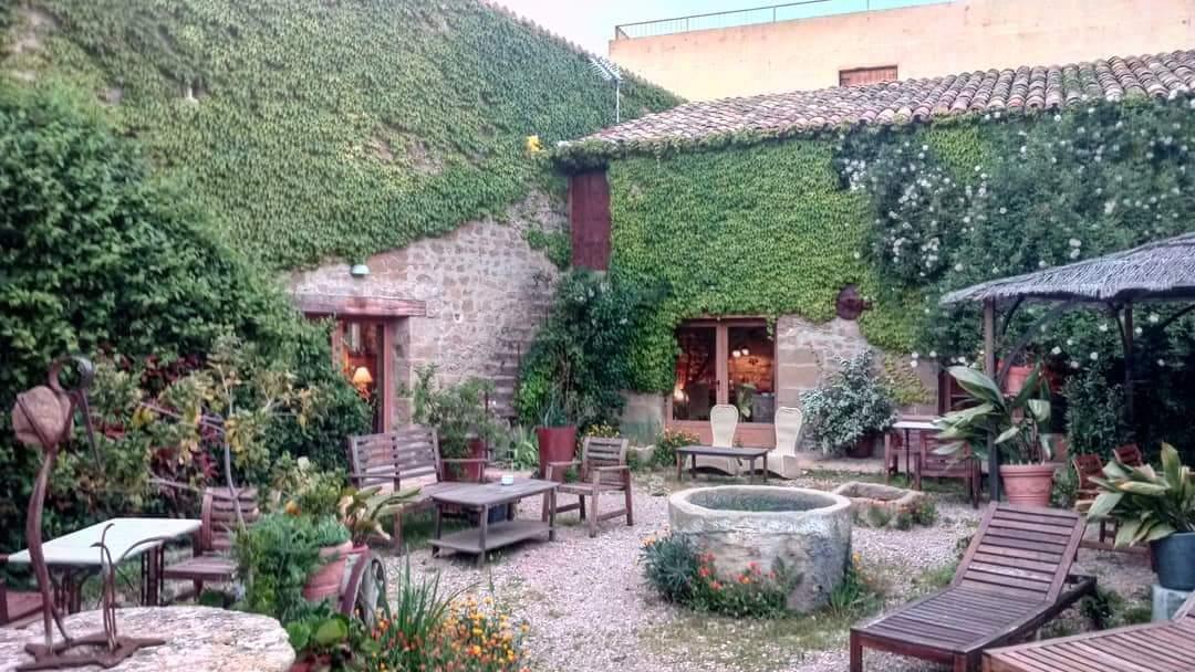 patio mas bonito del Pirineo en el restaurante El Corral de Concilio